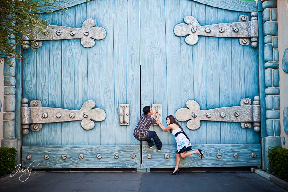 Disneyland engagement photography jg wedding for Places for photo shoots