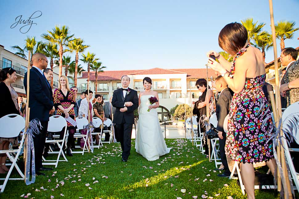Huntington Hyatt wedding ceremony California Lawn