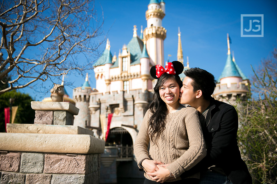 Engagement Photos Disneyland Castle