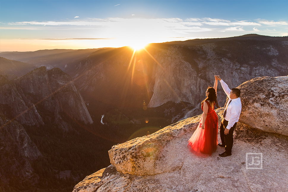 Engagement Photography Yosemite Cliff Sunset