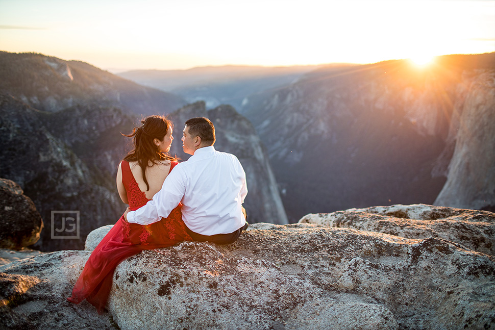 Engagement Photography Yosemite Cliff