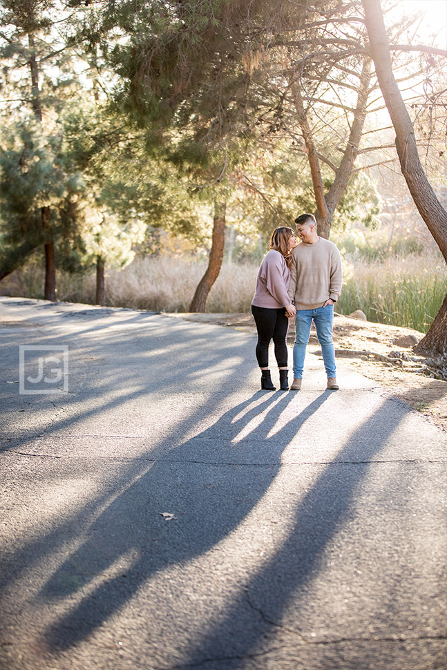 Bonelli Park Engagement Photos on Hiking Trail