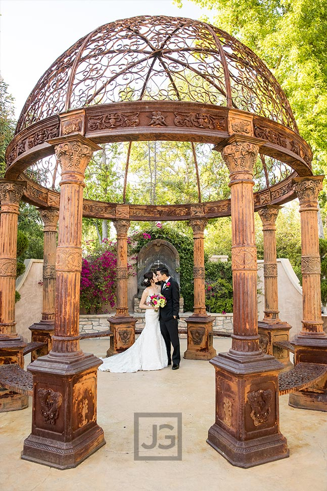 Tuscan Garden wedding photo