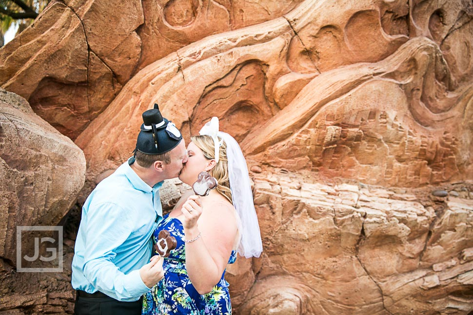 Disneyland-Engagement-Photography-0015