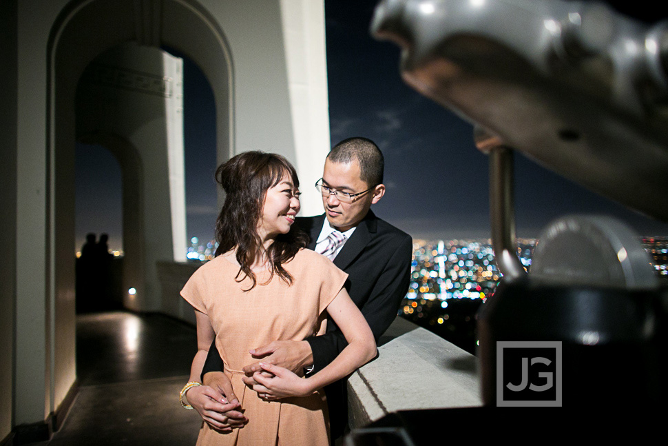 Griffith-observatory-engagement-photography-0011