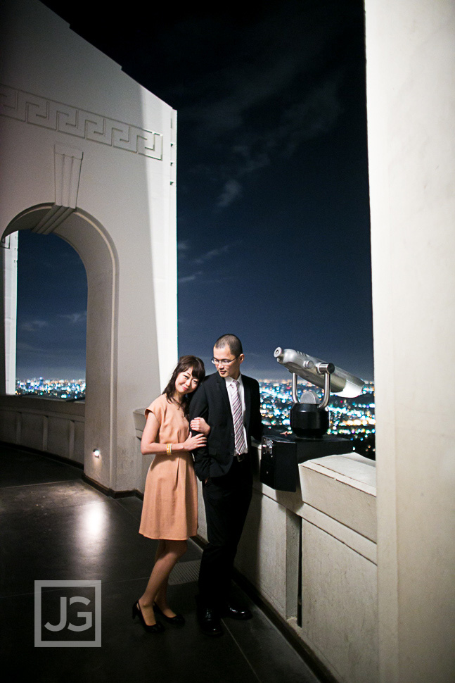 Griffith-observatory-engagement-photography