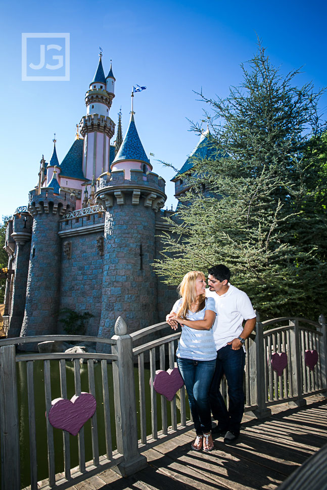 disneyland-engagement-photography-0002