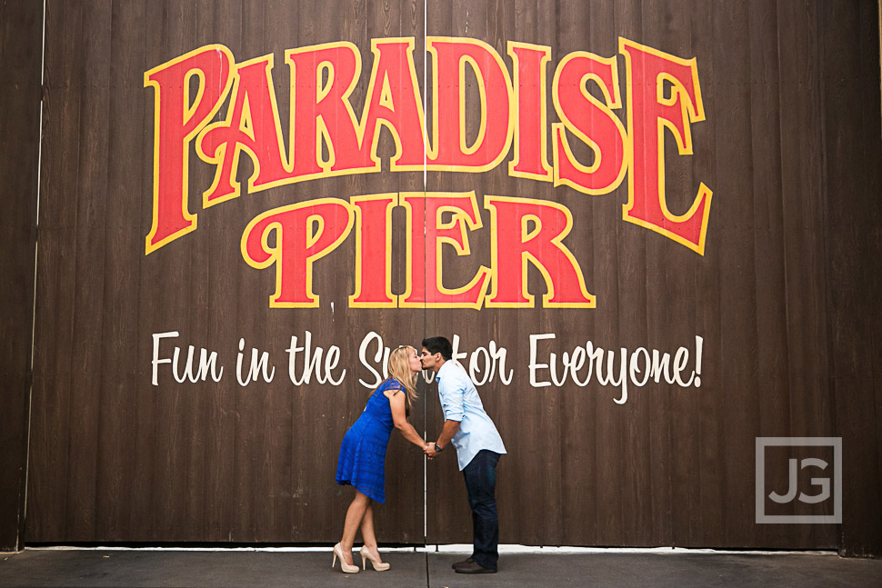 disneyland-engagement-photography-0021