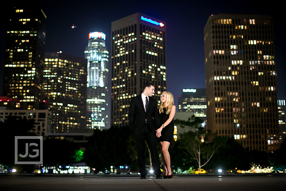 downtown-la-night-engagement-photography-0001