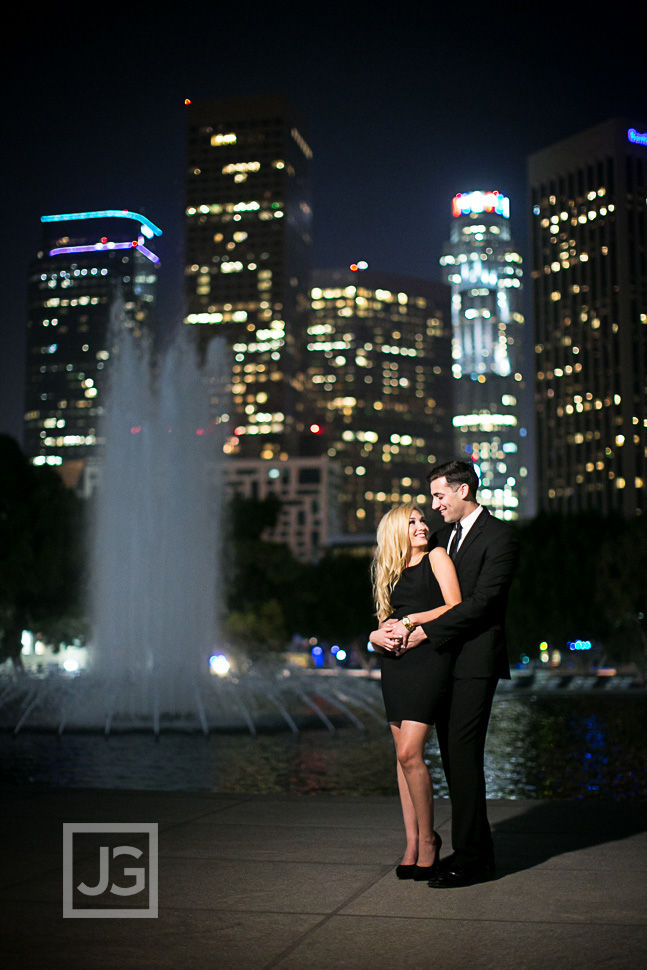 downtown-la-night-engagement-photography-0004