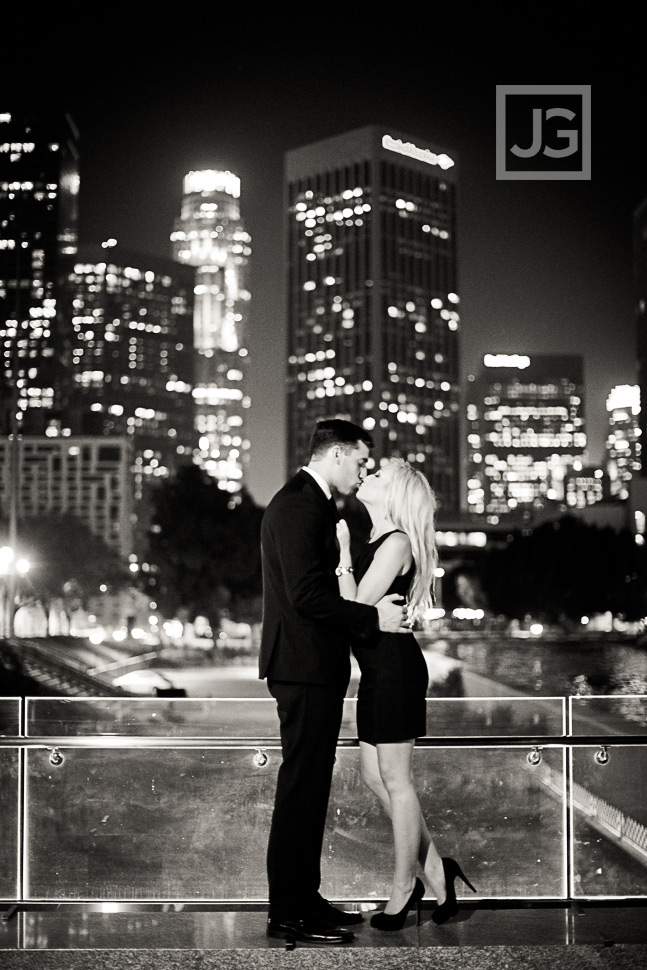 downtown-la-night-engagement-photography-0012