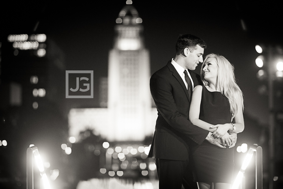 downtown-la-night-engagement-photography-0014
