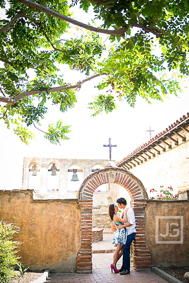 mission-san-juan-capistrano-engagement-photography-0001