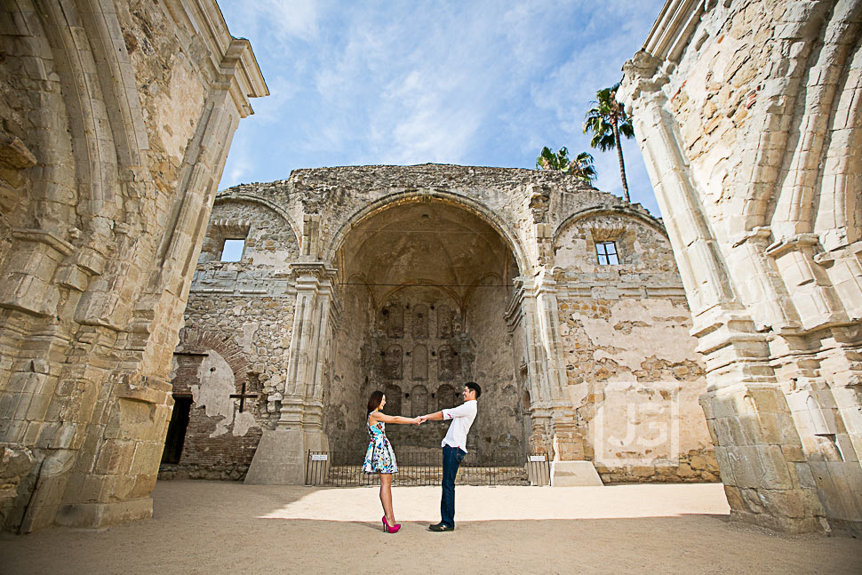 mission-san-juan-capistrano-engagement-photography-0005