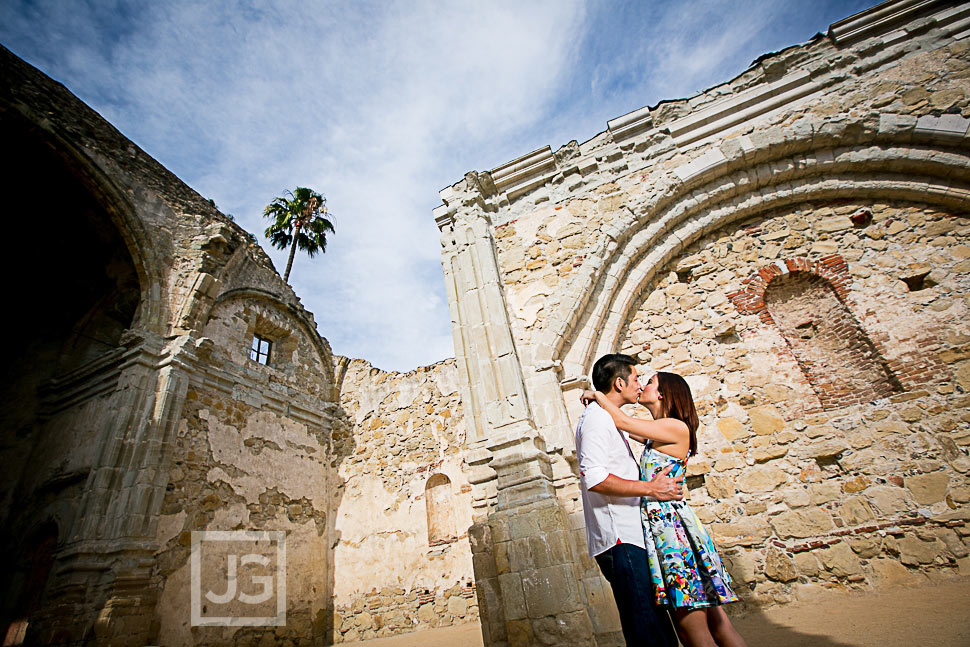 mission-san-juan-capistrano-engagement-photography-0011