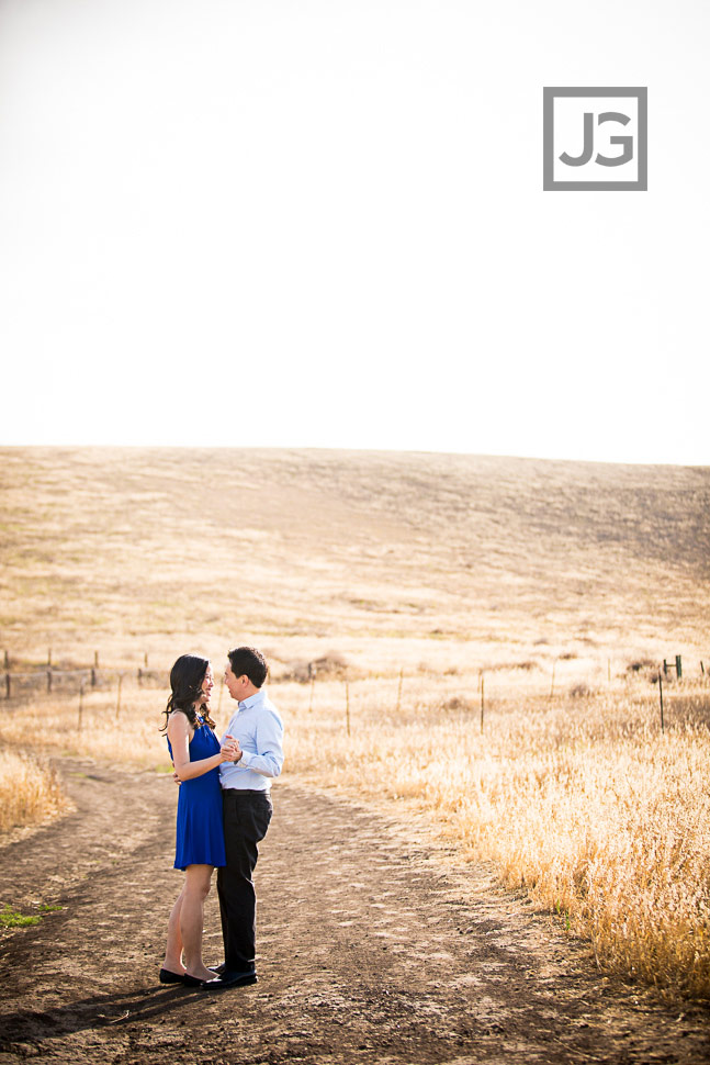 open-field-engagement-photography-0005