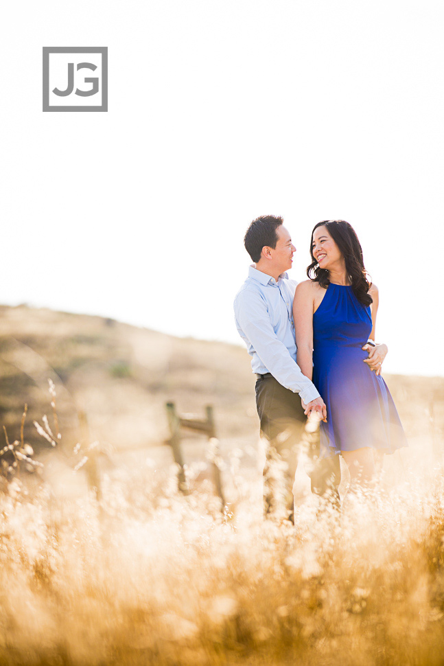 open-field-engagement-photography-0009