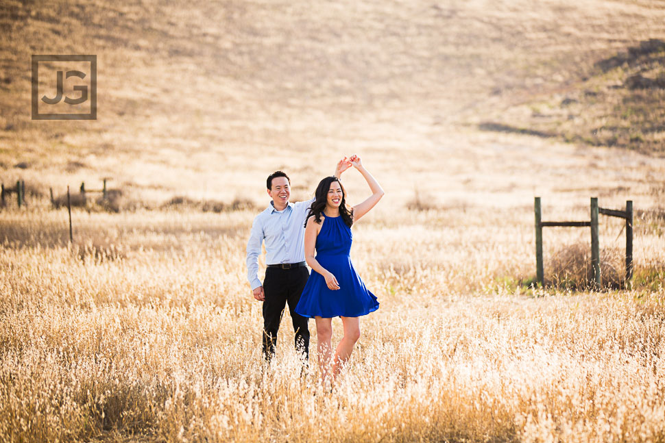 open-field-engagement-photography-0010