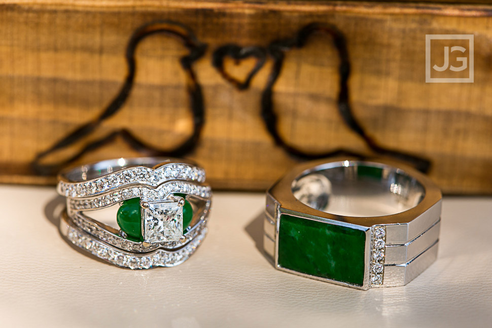 Unique wedding rings with emeralds