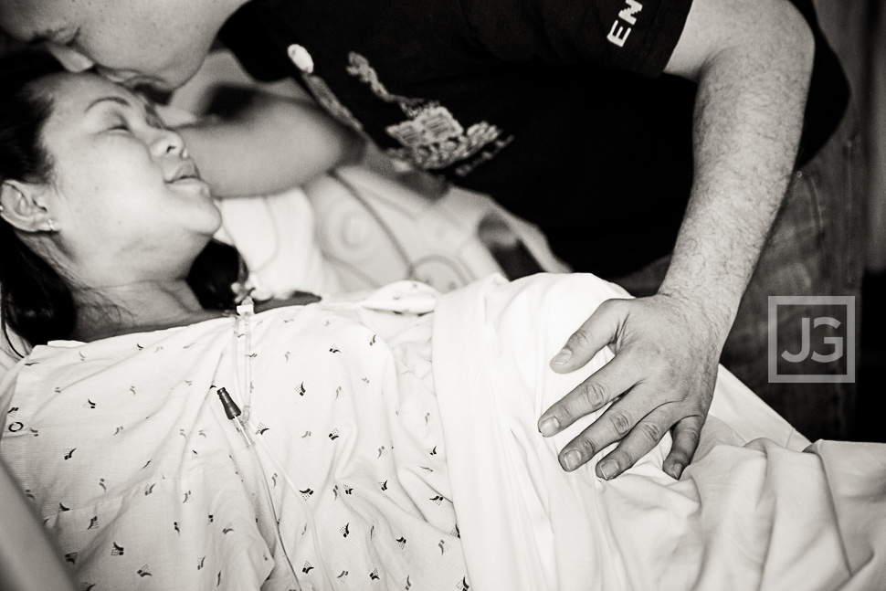 Birth Photography in the Hospital Room